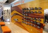 Interiér obchodního prostoru v prodejně MERRELL