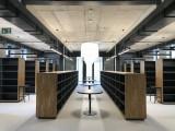 Regály knihovna univerzita